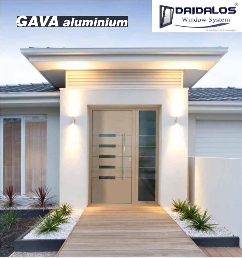 GAVA alumínium bejárati ajtó, Daidalos logóval a jobb felső sarokban